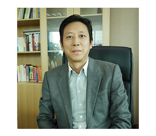 小众旅游投资有限公司董事长谢荣祥照片