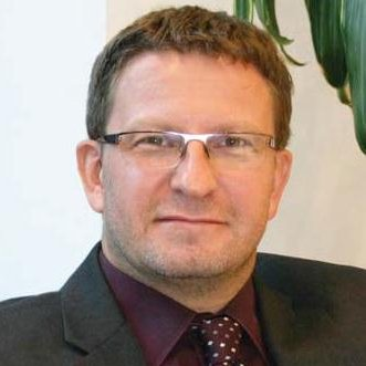 欧洲金融租赁协会汽车金融主席Adrian Dally照片