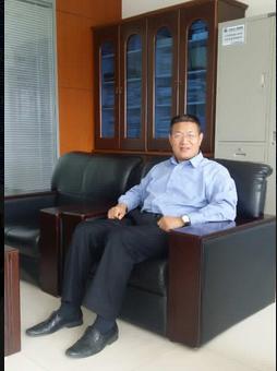 凌云集团副总工程师张振坤