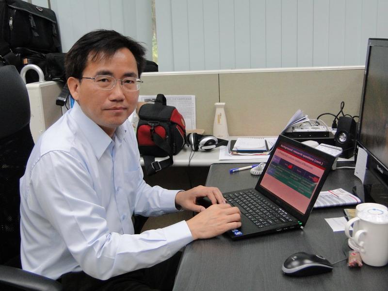 国立成功大学工程科学系特聘教授黄悦民照片