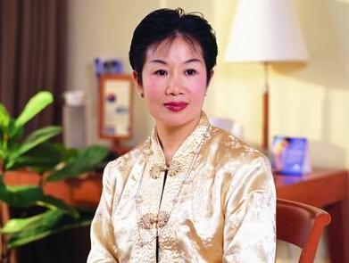 中华全国工商业联合会美容化妆品业商会会长马娅照片