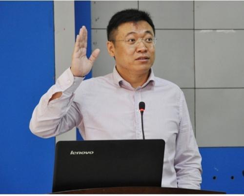 北京大学学生心理健康教育与咨询中心主任刘海骅
