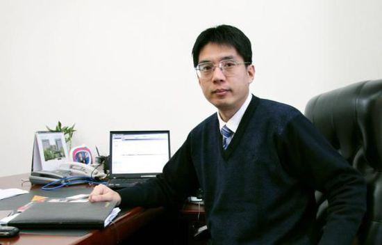 汕头大学国际互联网研究院院长方兴东照片