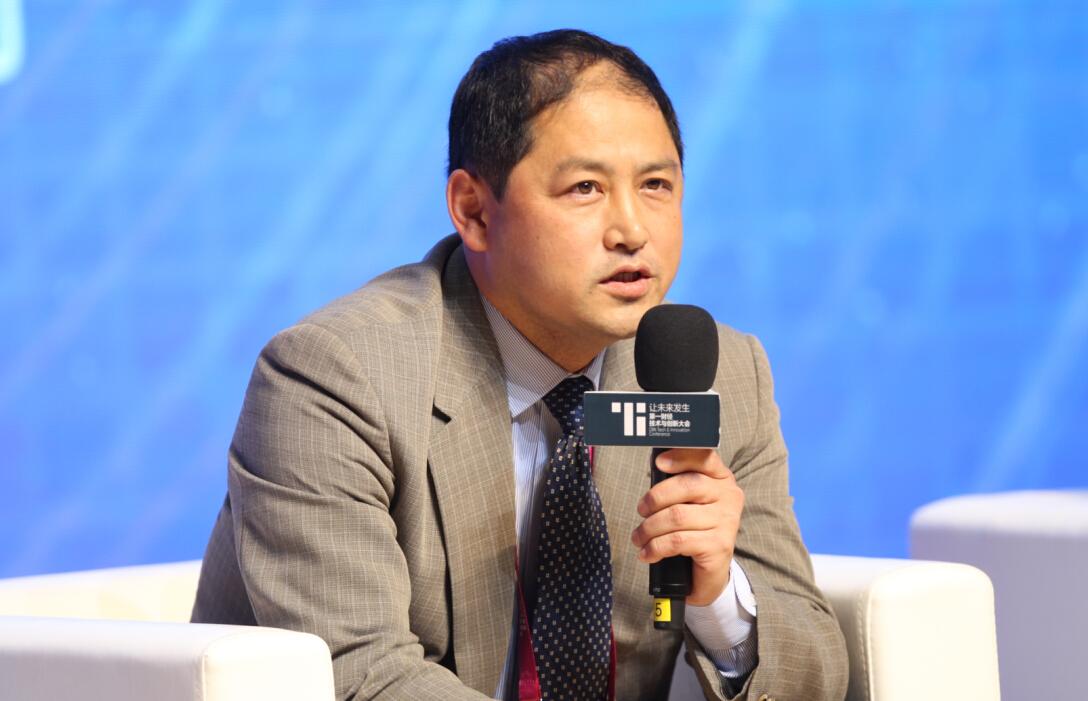 天能集团首席科学家李文照片