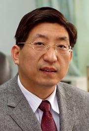 中山大学肿瘤医院教授曾益新照片