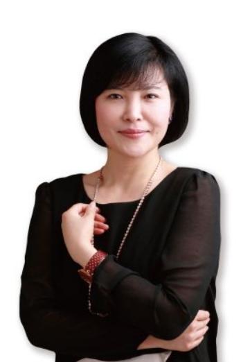香港光博士美业集团有限公司董事长何丽英照片