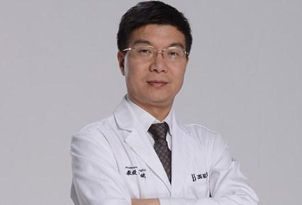 北京东方和谐医疗美容诊所执业医师冯斌照片