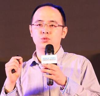 今日头条技术副总裁杨震原照片