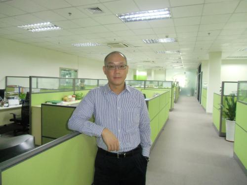 森悦设计公司总设计师李启明照片