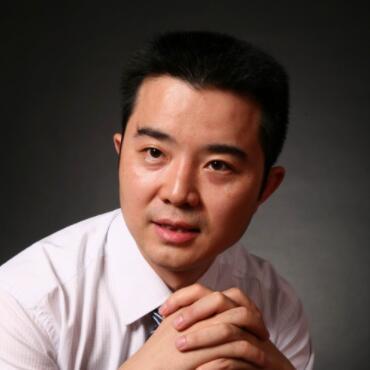 中央电视台广告经营管理中心市场部副主任佘贤君