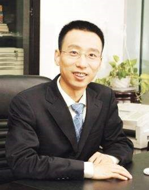 國泰基金總經理助理黃焱照片