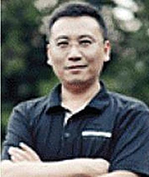 华丽家族股份有限公司副总裁金泽清照片