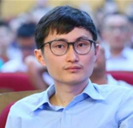 方正证券传媒与互联网行业首席分析师杨仁文