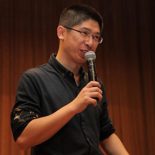 中山大学数学与计算科学学院副教授卢松松