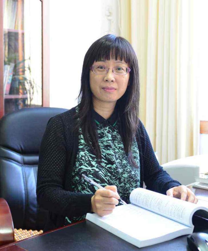 中国学前教育研究会幼儿园课程与教学专业委员会副主任侯莉敏