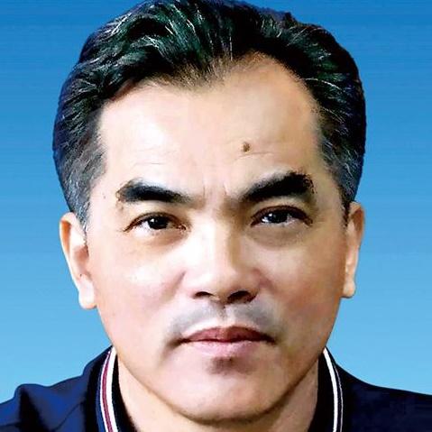 三亚市教育局副局长郑元宁照片