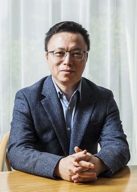 蚂蚁金服集团总裁井贤栋照片