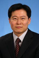 中国医学科学院肿瘤医院胸部外科主任医师牟巨伟
