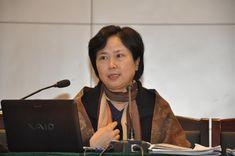 南京师范大学外国语学院英语系正教授张伊娜