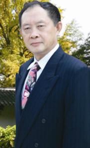 美国伊利诺大学医学院教授陈厚琦