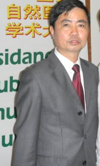 中国澳门养生会理事长卢耀华照片