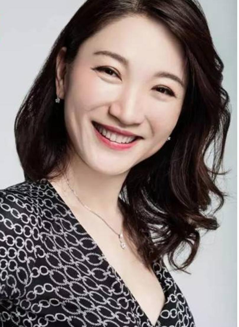 强生(中国)有限公司总裁谢冰照片