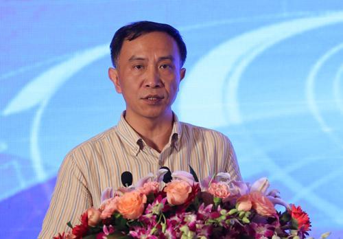中国保险学会副会长姚飞