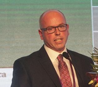 美国史塞克公司史塞克Flex  金融副总裁兼总经理James Cress