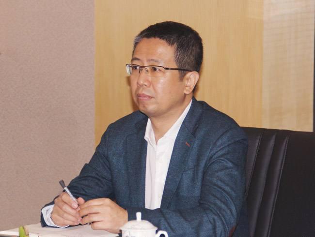 中国小贷公司协会会长闵路浩照片