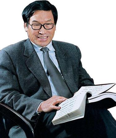 中国古籍保护协会特邀顾问张本义照片