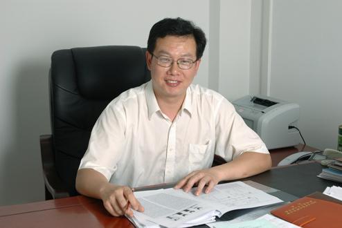 湖北大学特聘教授王贤保照片