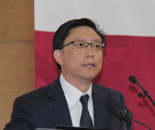 中诚信国际信用评级有限责任公司董事长闫衍照片