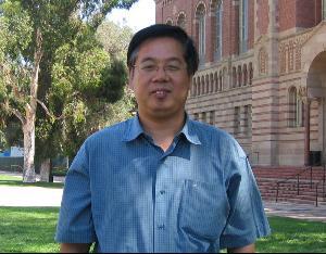 北京邮电大学计算机学院执行院长马华东照片