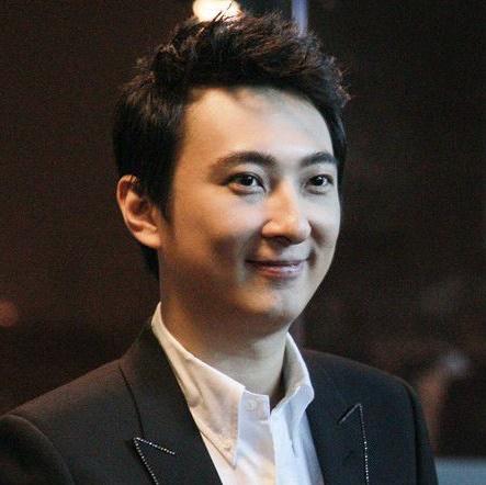 普思投资董事长王思聪照片