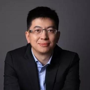 京东集团副总裁邓天卓照片