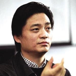 中央电视台著名主持人崔永元照片