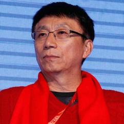 华泰保险集团股份有限公司董事长王梓木照片