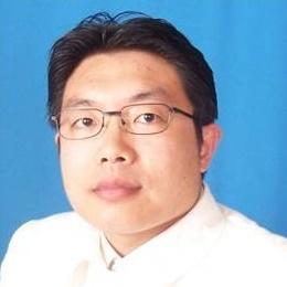 郑卫宁慈善基金会秘书长刘海军照片