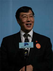 亿阳集团 董事长邓伟