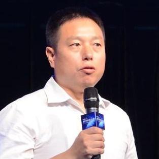哈士奇机器人CEO向忠宏照片