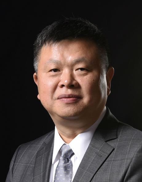 广发证券董事总经理,财新智库首席经济学家,莫尼塔研究董事长沈明高照片