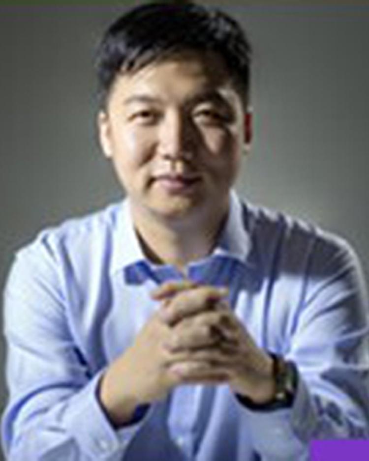 康帕斯阿里巴巴钉钉产品创始共创伙伴 钉钉全球首席布道师 杭州康帕斯科技有限公司创始人 杭州鑫蜂维科技有限公史楠照片