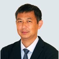 新泽西州皮斯卡塔韦罗格斯大学教授Wei-Xing Zong照片