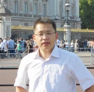陜西師范大學陜西師范大學教師專業能力發展中心副主任,中國計算機學會高級會員何聚厚照片