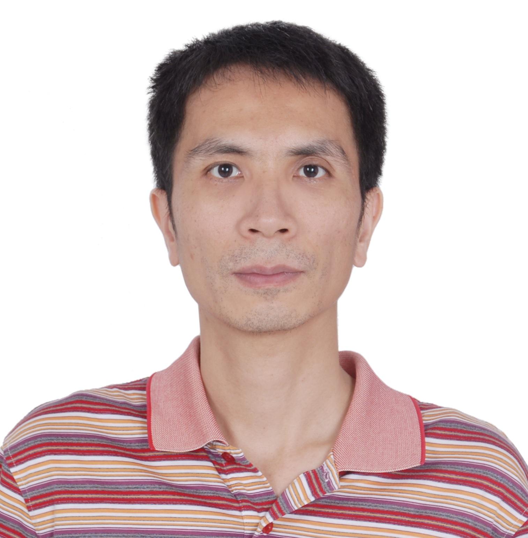 广东省药学会药剂专委会主任药师梁超峰 照片