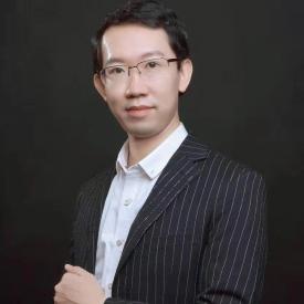 卓越教育集团市场营销中心负责人王启旻照片