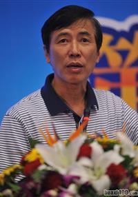 北京大学经济学院研究员钟朋荣