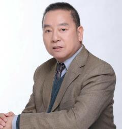 北京大学经济学院教授平新乔
