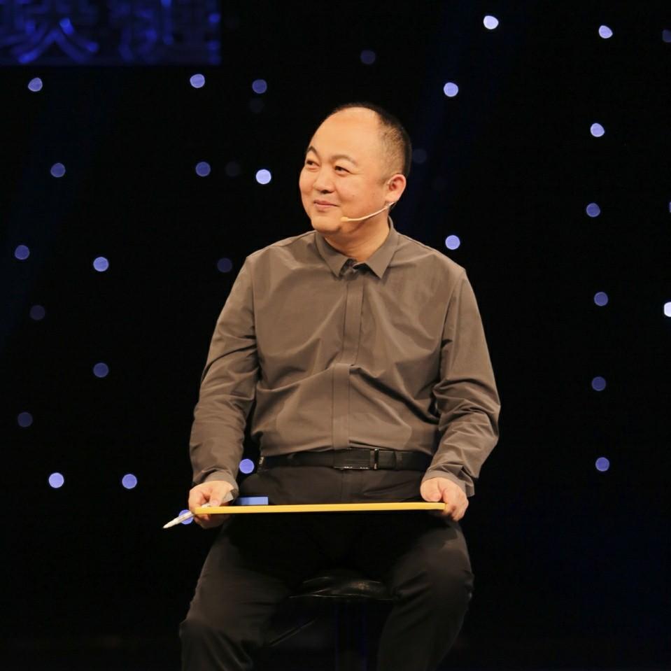高创智库发起人。 国务院国资委原新媒体顾问。 中国互联网协会蓝海沙龙发起人。 二十年常青的新媒体门户杜红超照片