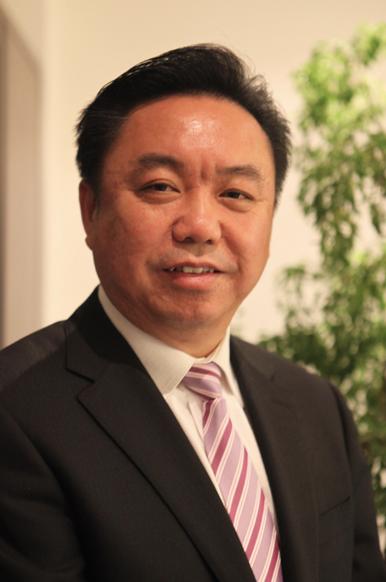 中国城市环境卫生协会 会长徐文龙照片